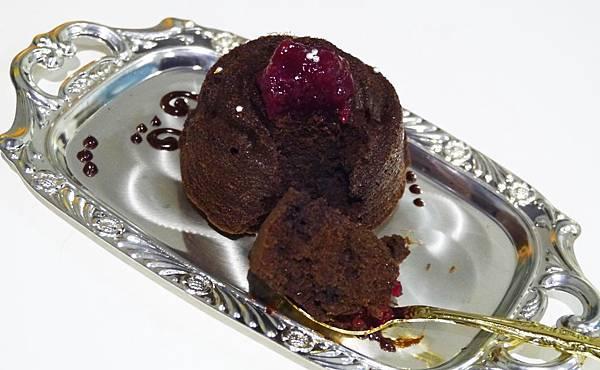 22.peekaboo 信義區 親子餐廳 咖啡廳 捷運市府站 藍帶甜點.JPG