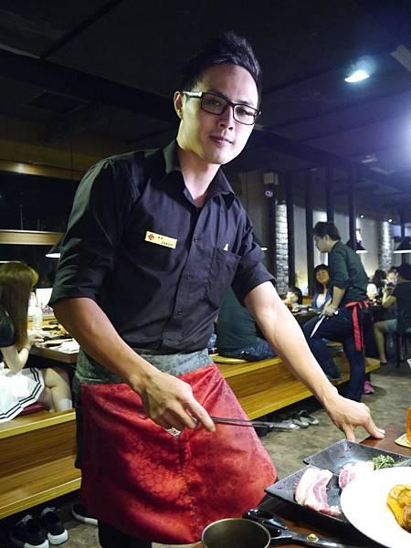 24韓金館 中山區 韓國烤肉 穿韓服 韓式料理 餐廳 台北.JPG
