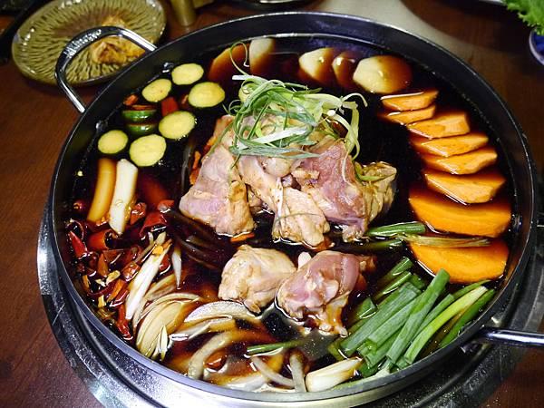28.韓金館 中山區 韓國烤肉 穿韓服 韓式料理 餐廳 台北.JPG