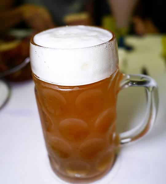 24.哥德德式餐廳 供館 台北 德國豬腳 啤酒.JPG