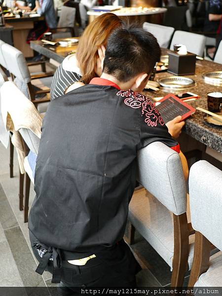 2-10 海底撈 台灣一號店 信義區 捷運市府站 101大樓站 麻辣鍋.JPG