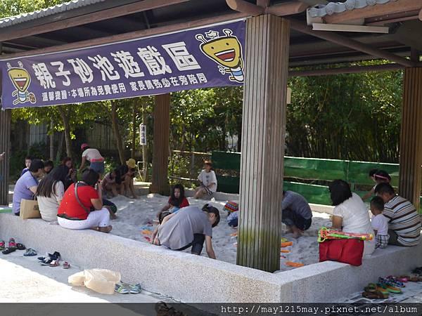 2.宜蘭礁溪景點 美食 素食餐廳 時光寶盒 免費沙池玩沙.JPG