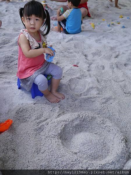 3.宜蘭礁溪景點 美食 素食餐廳 時光寶盒 免費沙池玩沙.JPG