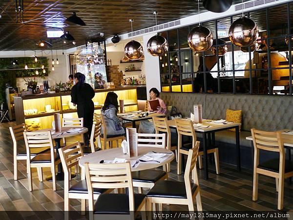 12.綠房餐廳 拿波里Pizza 捷運忠孝新生站 推薦義大利餐廳 酒吧 高質感.JPG
