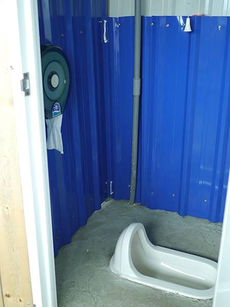 80新竹五峰 賽夏有機農場 露營區 五星級衛浴 廁所.JPG