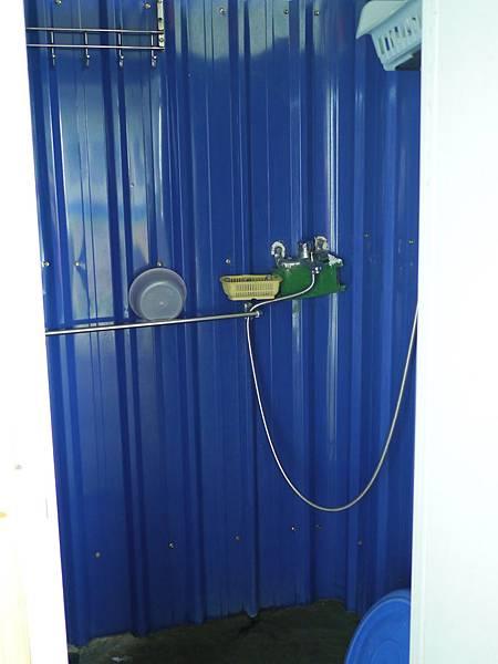 81新竹五峰 賽夏有機農場 露營區 五星級衛浴 廁所.JPG