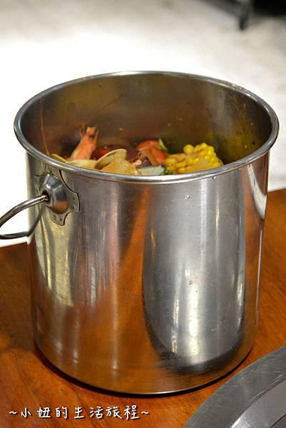 20新竹 南寮漁港 老漁港新海鮮 美式 海鮮餐廳 美食 水桶 推薦.JPG