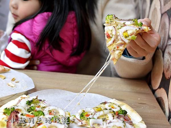 23士林夜市 捷運劍潭站 愛披薩 iPizza 正統 薄披薩 外國人.JPG