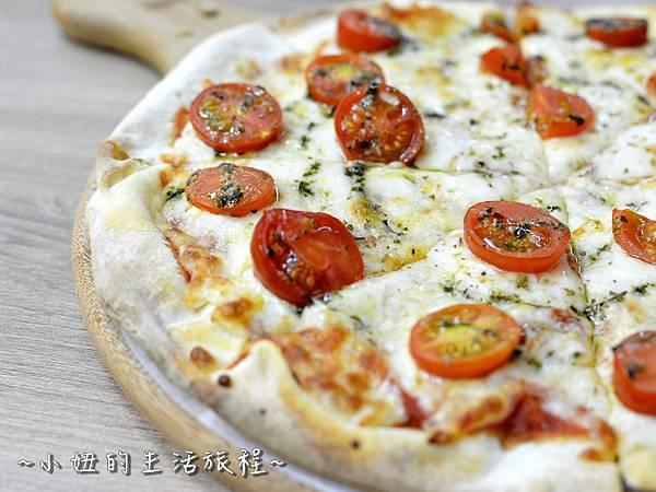 29士林夜市 捷運劍潭站 愛披薩 iPizza 正統 薄披薩 外國人.JPG