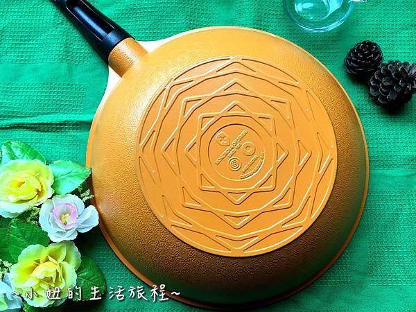 11固鋼鍋具 瑞士 MONCROSS買年紀念鈦晶鍋具組 .JPG