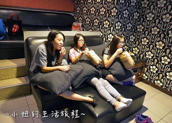 33U2電影館 板橋店 捷運府中站 國中高中大學生 躺著看電影.JPG