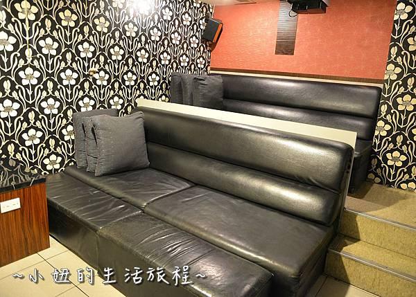 27U2電影館 板橋店 捷運府中站 國中高中大學生 躺著看電影.JPG