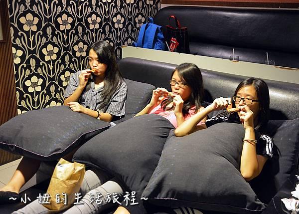 36U2電影館 板橋店 捷運府中站 國中高中大學生 躺著看電影.JPG