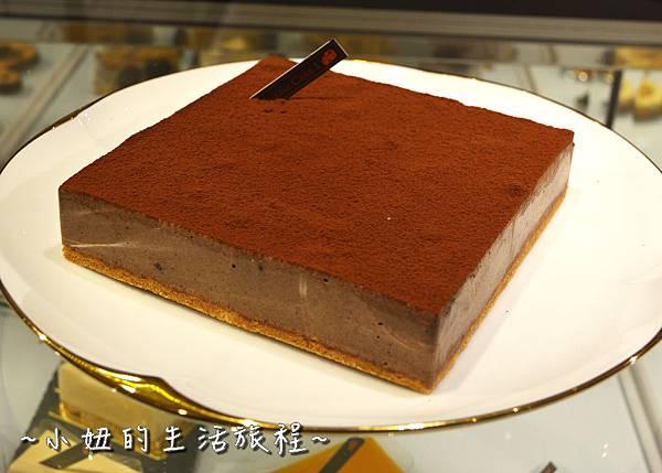 12 高質感蛋糕禮盒 CheeseCake  信義新光三越A4館B2 實體櫃位.JPG