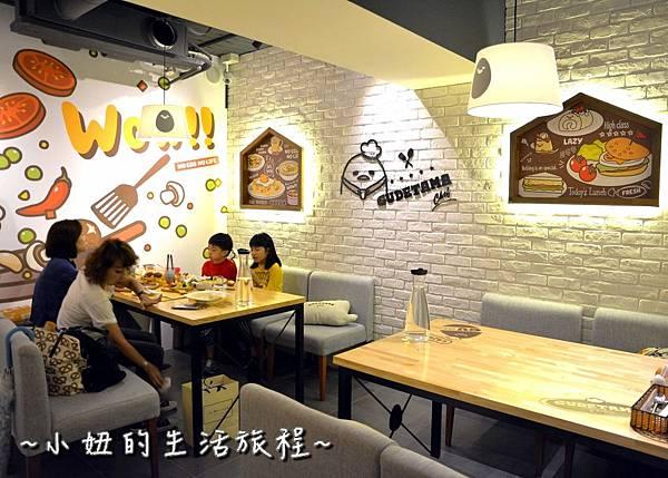 12蛋黃哥主題餐廳.JPG