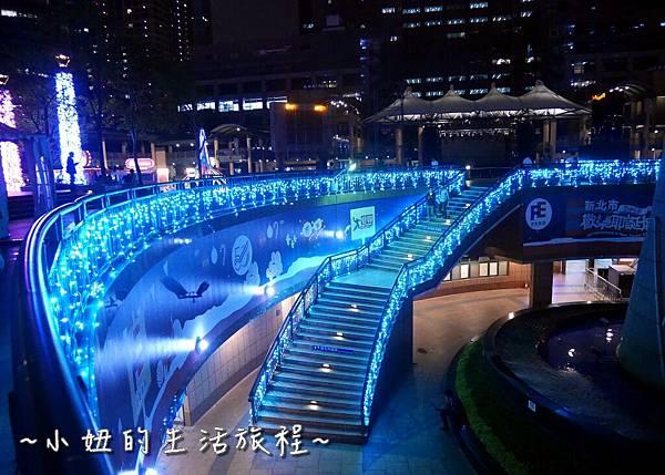 27  2016 新北耶誕城 2016板橋市民廣場 .JPG