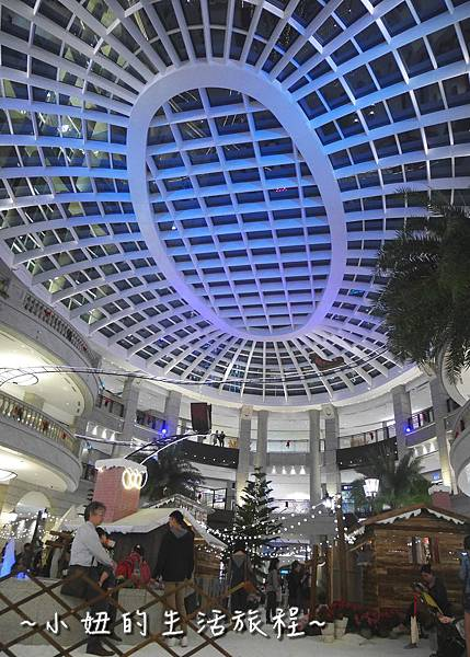 01 2016 BELLAVITA 聖誕節  貴婦百貨耶誕樹.JPG