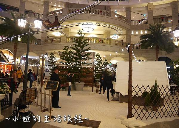 04 2016 BELLAVITA 聖誕節  貴婦百貨耶誕樹.JPG