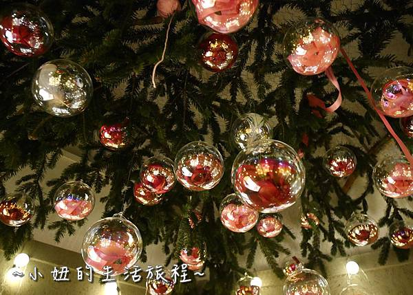 16 2016 BELLAVITA 聖誕節  貴婦百貨耶誕樹.JPG