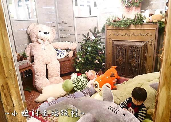 28 2016 BELLAVITA 聖誕節  貴婦百貨耶誕樹.JPG