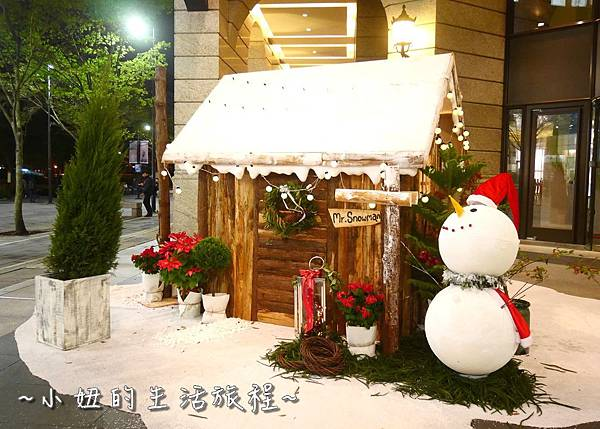 31 2016 BELLAVITA 聖誕節  貴婦百貨耶誕樹.JPG