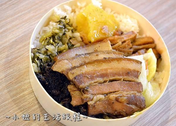211  新竹關西服務站  國道美食NO.1 關西便當 梅干扣肉便當 客家便當 .JPG