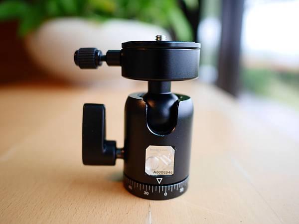 18 Mobile-Catch 行動釽  行動抓 行動爬 行動拔 行動杷 手機固定器 單眼固定器 相機固定器.JPG