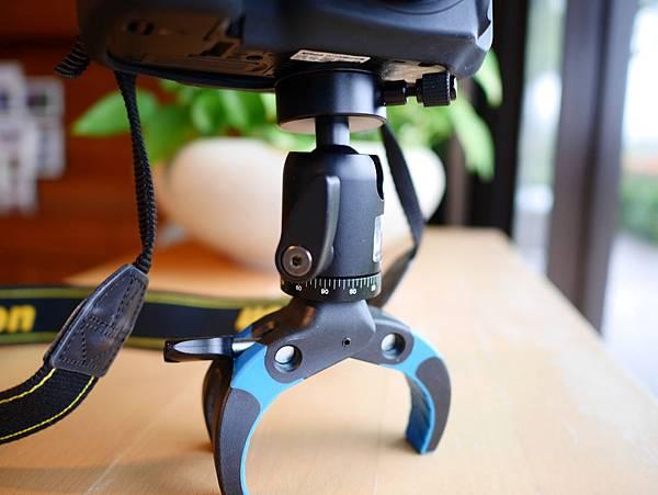 22 Mobile-Catch 行動釽  行動抓 行動爬 行動拔 行動杷 手機固定器 單眼固定器 相機固定器.JPG