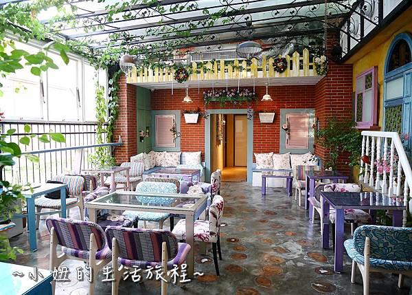 25 迪化街 D.G.Cafe 大稻埕花園旅店.JPG