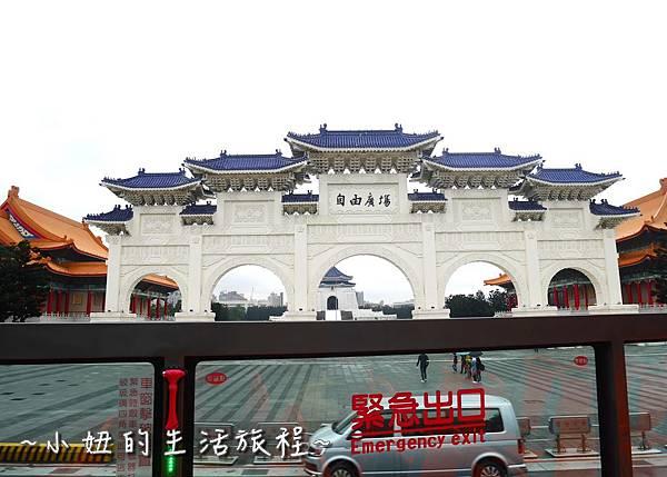台北市雙層觀光巴士 台北一日遊 藍線 紅線 台北火車站P1110847.jpg