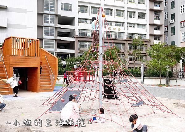 碧湖公園 改建後 內湖碧湖公園兒童遊樂區 閱覽室P1130739.jpg