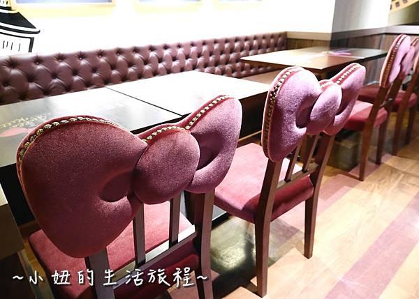 13 林口三井outlet 威秀影城 hello kitty red carpet餐廳.JPG