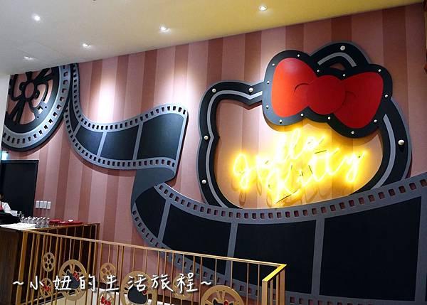 20 林口三井outlet 威秀影城 hello kitty red carpet餐廳.JPG