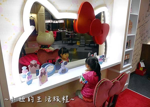27 林口三井outlet 威秀影城 hello kitty red carpet餐廳.JPG