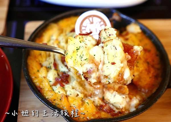 37 林口三井outlet 威秀影城 hello kitty red carpet餐廳.JPG
