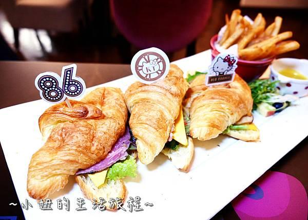 38 林口三井outlet 威秀影城 hello kitty red carpet餐廳.JPG