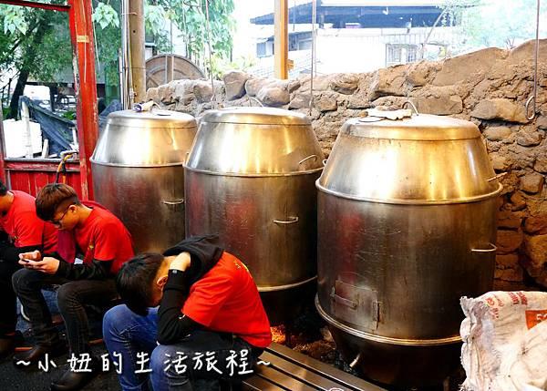 111  甕窯雞 火山爆發雞 宜蘭美食.jpg