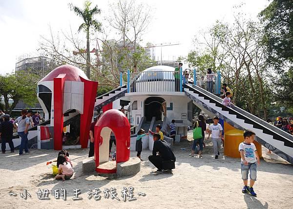 14 萬華青年公園 太空堡壘.JPG