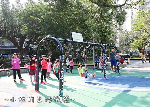 22 萬華青年公園 太空堡壘.JPG