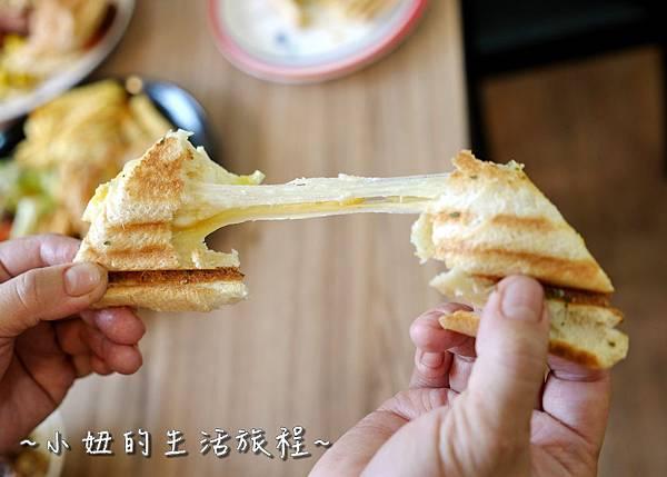 蘆洲丹丹漢堡 豪肉羹 VS 牛寶早午餐P1200167.jpg