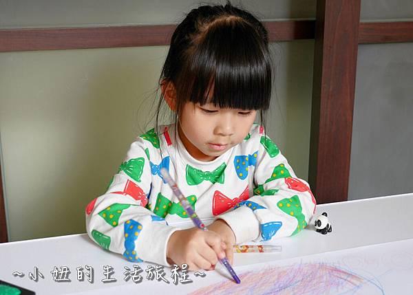 愛兒館  兒童成長桌椅  兒童桌 兒童椅 P1210287.jpg