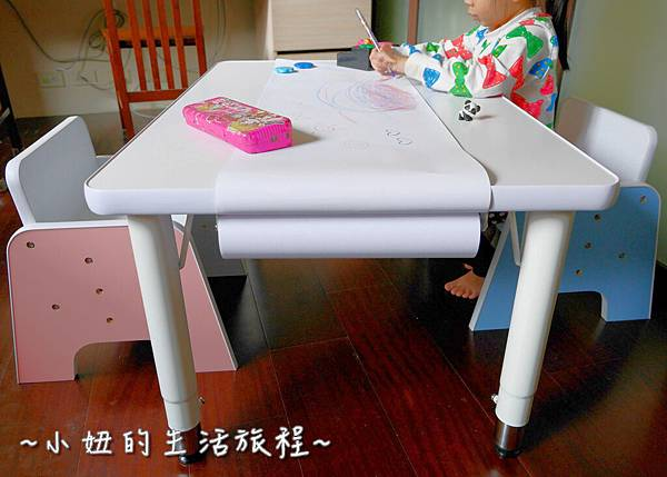 愛兒館  兒童成長桌椅  兒童桌 兒童椅 P1210293.jpg