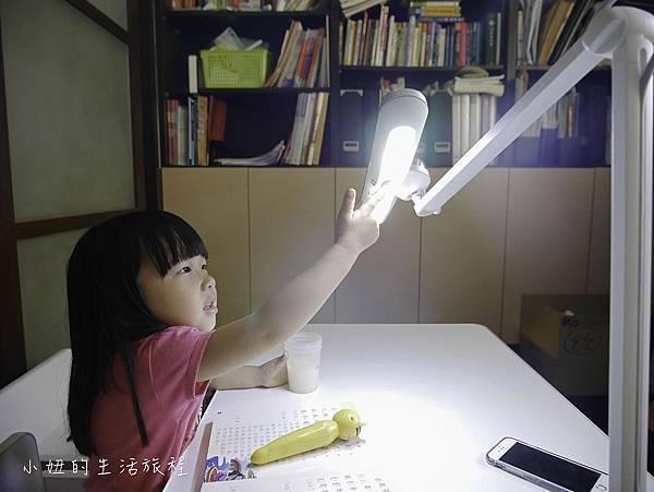 BenQ WiT MindDuo 親子共讀護眼檯燈-26.jpg