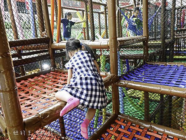 京華城,探索樂園,諾亞方舟繩網迷宮-26.jpg