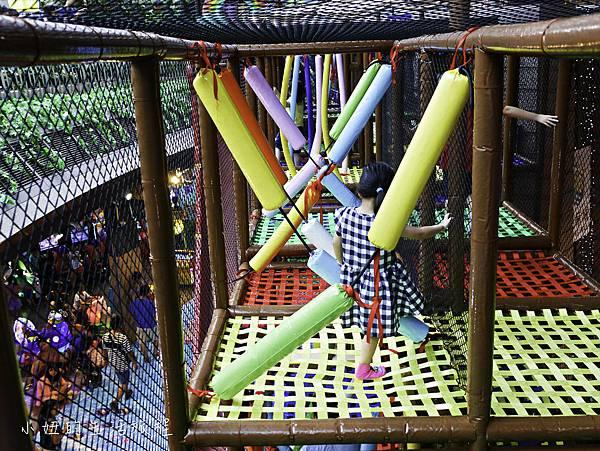 京華城,探索樂園,諾亞方舟繩網迷宮-34.jpg
