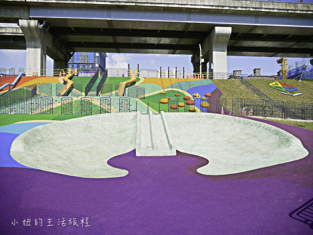 大台北都會公園,幸運草地景溜滑梯,捷運三重站-15.jpg