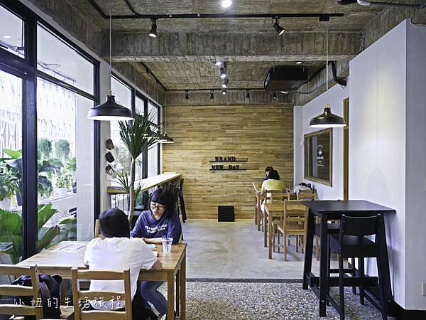 台灣惠蓀咖啡台中審計店,大佛雞蛋糕-11.jpg