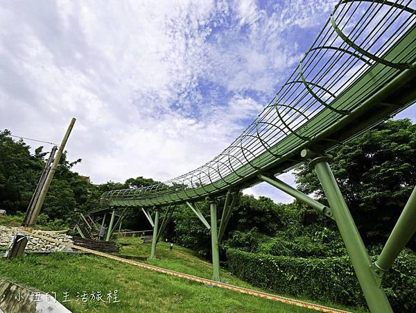 全台最長滾輪式溜滑梯,高雄哈瑪星溜滑梯-1.jpg