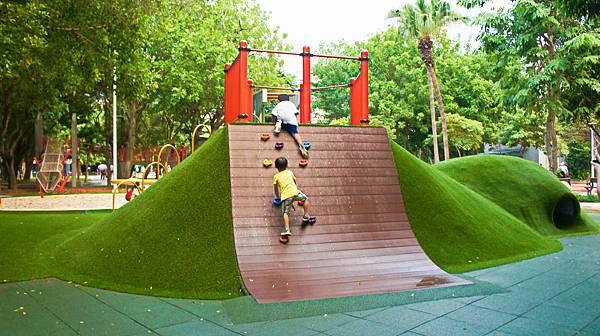 四維公園-巨獸攀爬遊戲場,板橋,特色公園-2.jpg