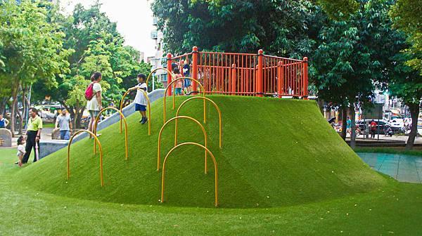 四維公園-巨獸攀爬遊戲場,板橋,特色公園-4.jpg